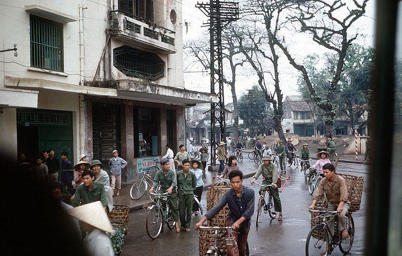 Hà Nội xưa và nay qua góc nhìn từ chiếc xe đạp 7