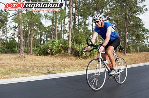 Hướng dẫn cách đạp xe khi xuống dốc cho người mới bắt đầu 1