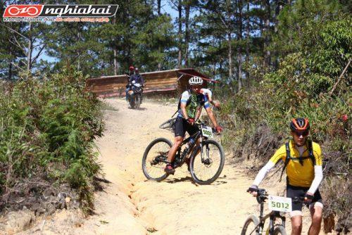 Hướng dẫn cách đạp xe khi xuống dốc cho người mới bắt đầu 3