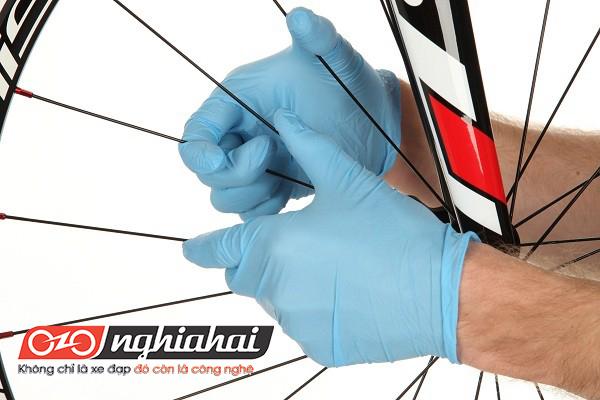 Làm sao để kéo căng nan hoa xe đạp 1