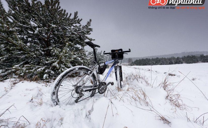 Đạp xe trên băng tuyết 4