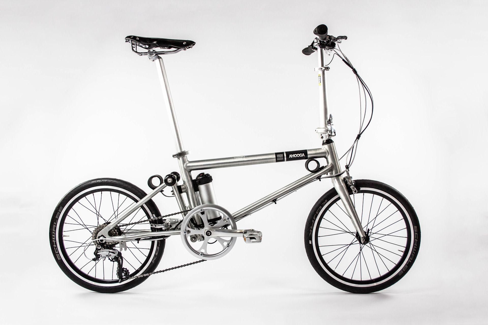 Các sinh viên Anh Quốc sản xuất xe đạp gấp đầu tiên bằng vật liệu tổng hợp 1