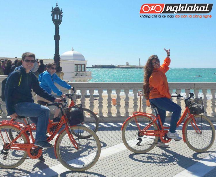 Du lịch bằng xe đạp thể thao 1