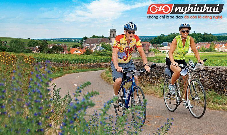 Du lịch bằng xe đạp thể thao 3
