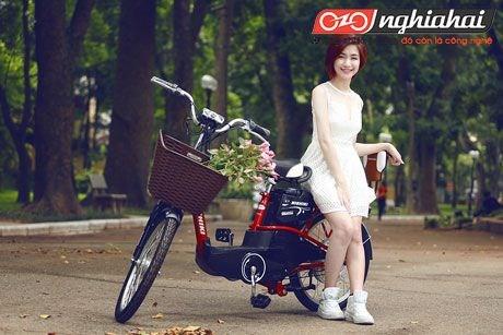 Hòa Minzy Khoe dáng cùng xe đạp điện 2