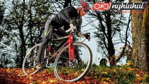 Kỹ thuật đạp xe đạp thể thao chuyên nghiệp 1