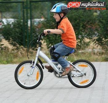 Trẻ em mấy tuổi có thể tập đi xe đạp 2