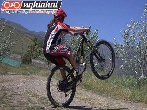 Hướng dẫn kỹ thuật đạp xe đạp địa hình chuyên nghiệp 3