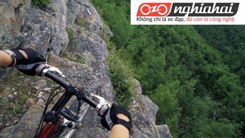 Làm gì khi gặp tai nạn xe đạp địa hình 2