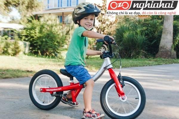 Những xe đạp cân bằng cho bé 3 tuổi 1