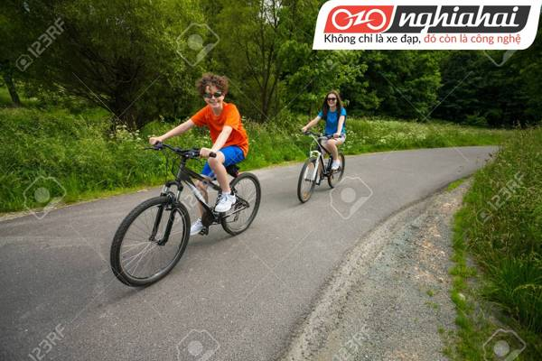 Cách kiểm tra an toàn khi cho bé đi xe đạp 2