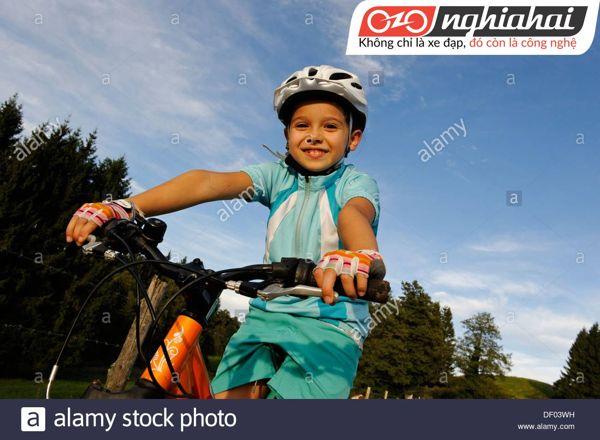 Cách kiểm tra an toàn khi cho bé đi xe đạp 3