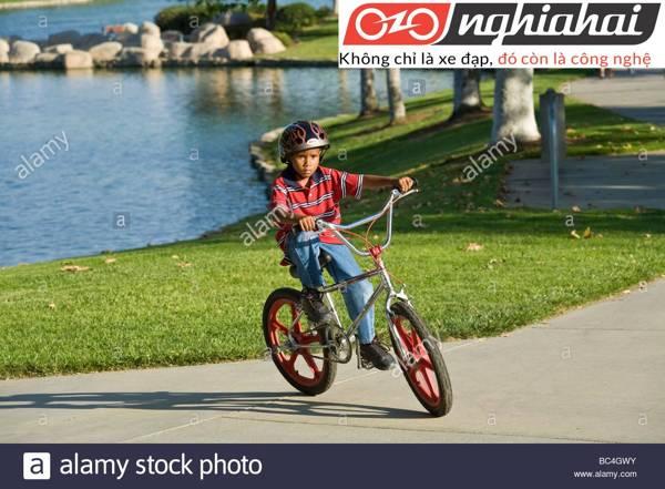 Dụng cụ cần thiết cho trẻ khi đạp xe 2