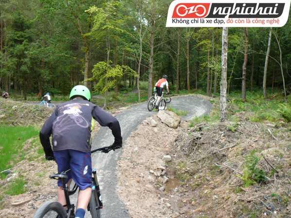 Cách tránh chóng mặt khi đang đạp xe 2