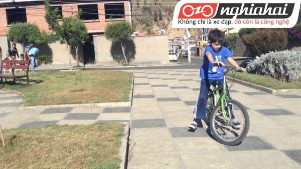 Hướng dẫn vá lốp xe đạp trẻ em 2