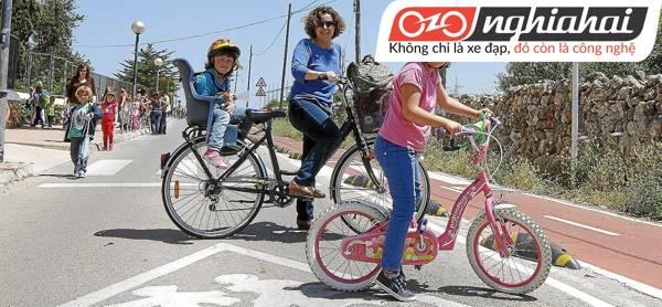 Luyện tập cho bé đạp xe dễ dàng hơn 1