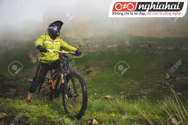 Cách vệ sinh mũ bảo hiểm xe đạp địa hình 3