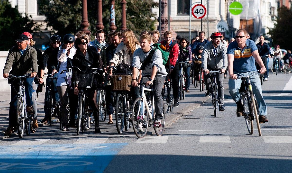 Đạp xe đi làm để tăng tốc độ 3