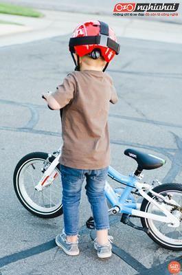 Làm thế nào để dạy con đạp xe đạp chỉ trong 9 phút?2