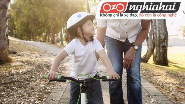 Cách đạp xe đạp trẻ em không bánh phụ 1