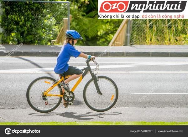 Dụng cụ cần thiết cho trẻ khi đạp xe 1