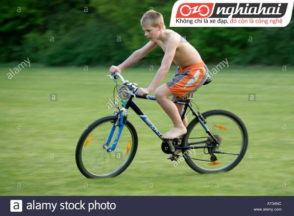 Tư thế đạp xe đạp trẻ em đúng cách 1