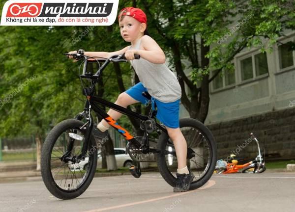Những vật dụng hỗ trợ khi đạp xe 2