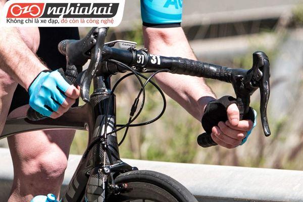 Những trang bị cho tay đua xe đạp 2