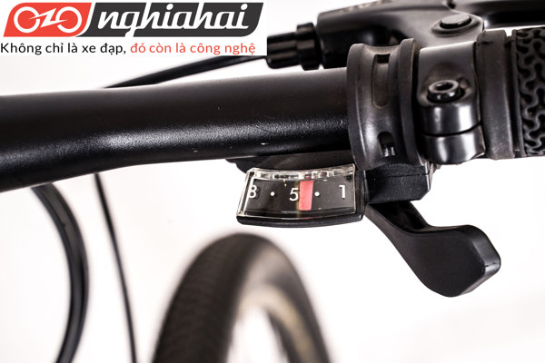Xe đạp thể thao Peloton 19